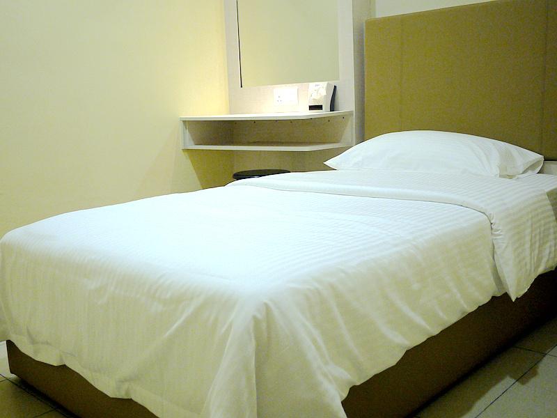 standard-room-01